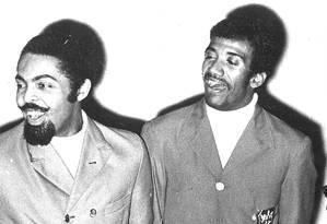Gilberto Gil e Jorge Ben Jor em foto de 1968 Foto: Arquivo O Globo