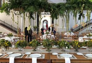 Salão do Palácio La Moneda sendo preparado para o almoço dos presidentes Sebastián Piñera e Jair Bolsonaro, que encerrará a visita do chefe de Estado ao Chile Foto: Janaína Figueiredo - Agência O Globo