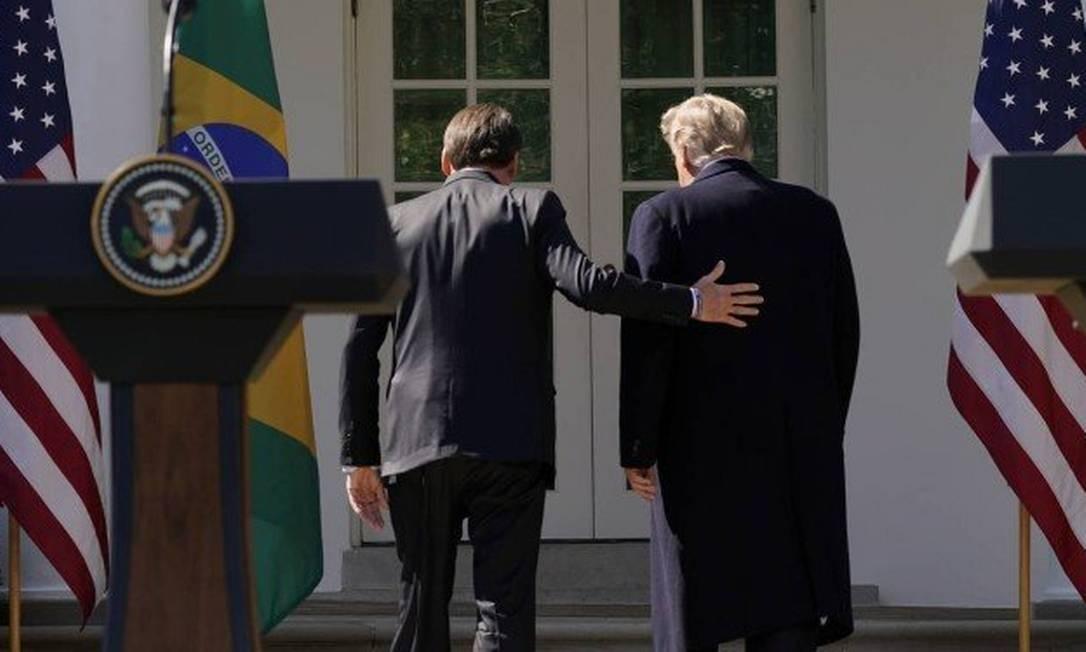 Parlamentares criticaram recepção com 'tapete vermelho' para o presidente brasileiro, o qual julgam misógino, racista e com discurso de ódio Foto: KEVIN LAMARQUE / REUTERS