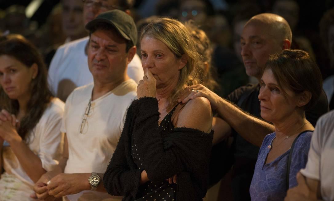 A viúva Priscilla Rozenbaum recebeu o apoio dos amigos Foto: Guito Moreto / Agência O Globo