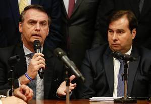 O presidente Jair Bolsonaro afirmou que a responsabilidade pela aprovação da reforma da Previdência está com o Congresso, contrariando Maia, que cobrou do governo articulação política Foto: CAROLINA ANTUNES / AFP