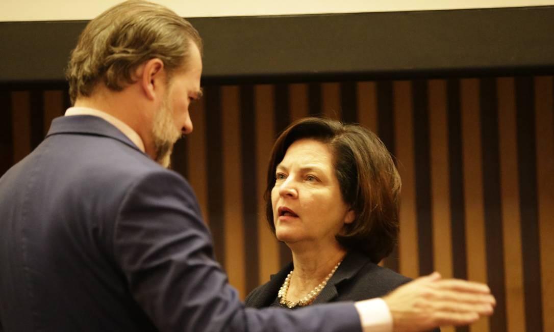 Dias Toffoli e Raquel Dodge durante o seminário Foto: Gabriel Paiva / Agência O Globo