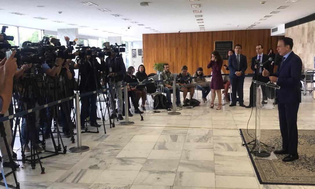 O governador de São Paulo, João Doria, durante entrevista coletiva antes de Fórum de Governadores Foto: Divulgação