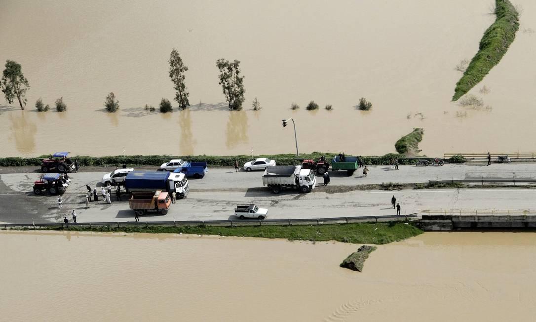 Uma vista aérea das inundações na província de Golestan, no Irã, registrada em 22 de março Foto: TASNIM NEWS AGENCY / REUTERS