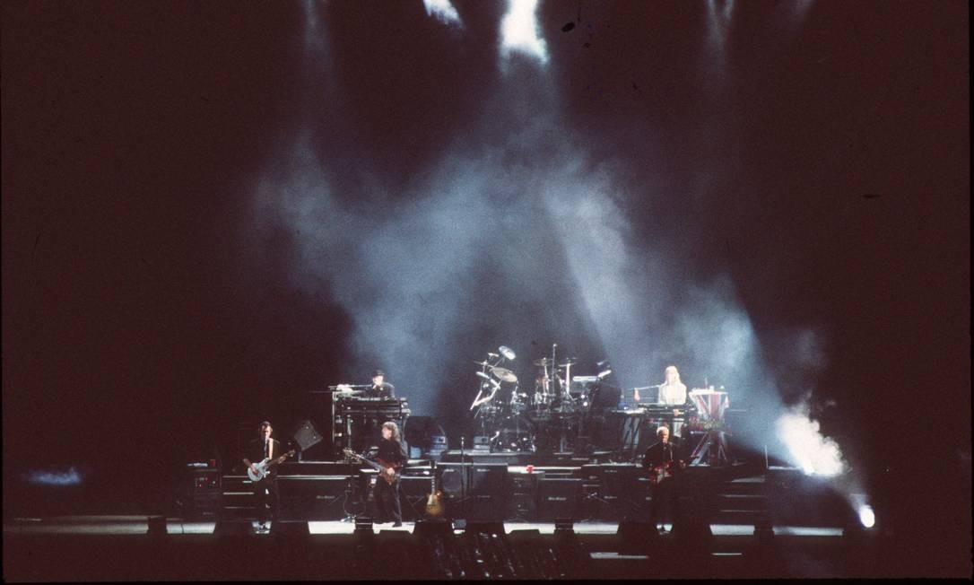 Da banda que Paul McCartney trouxe ao Brasil, fazia parte a sua mulher, Linda, nos teclados, percussão e vocais de apoio. Ela morreria oito anos depois, de câncer. Foto: O Globo