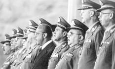 O presidente João Baptista Figueiredo participa da homenagem ao Dia do Soldado, em 1979 Foto: Orlando Brito / Infoglobo