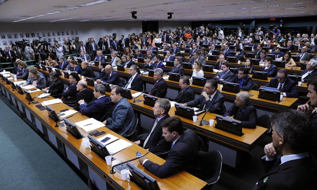 Ainda na terça, o ministro da Economia, Paulo Guedes, faltou à reunião da Comissão de Constituição e Justiça (CCJ), na qual debateria com parlamentares pontos cruciais da reforma da Previdência Foto: Terceiro / Agência O Globo