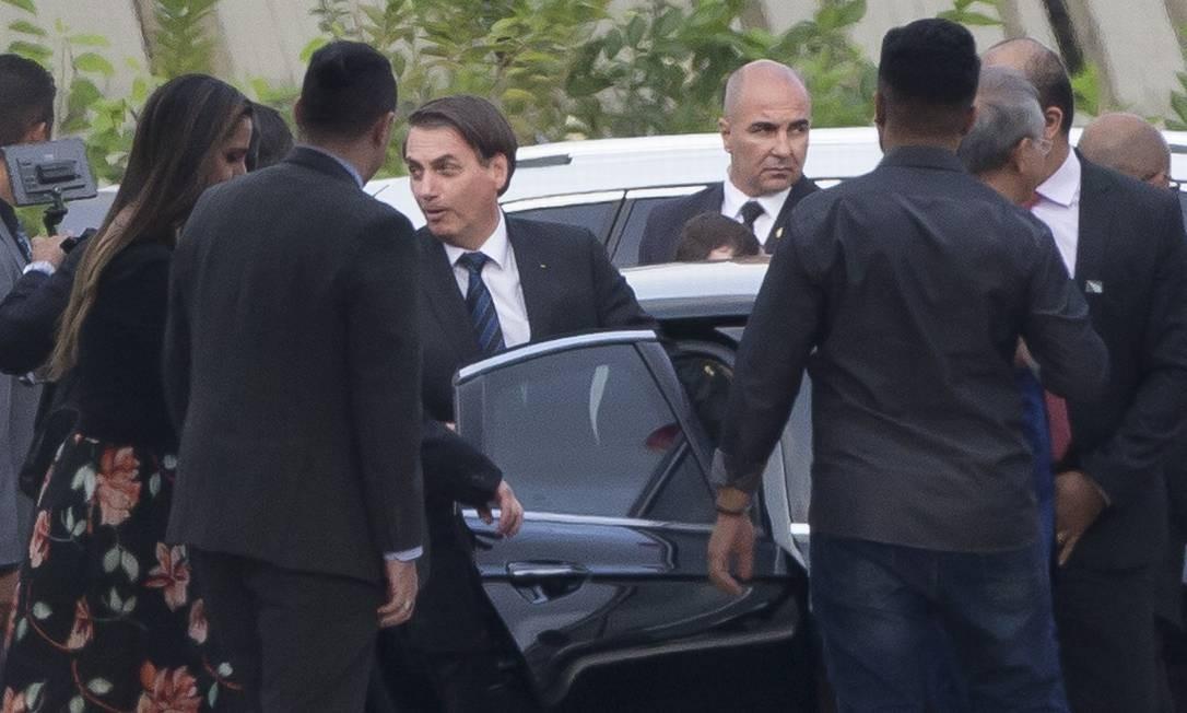 O presidente Jair Bolsonaro chega ao Comando Militar do Sudeste, onde acompanhou projetos sobre grafeno Foto: Edilson Dantas / Agência O Globo
