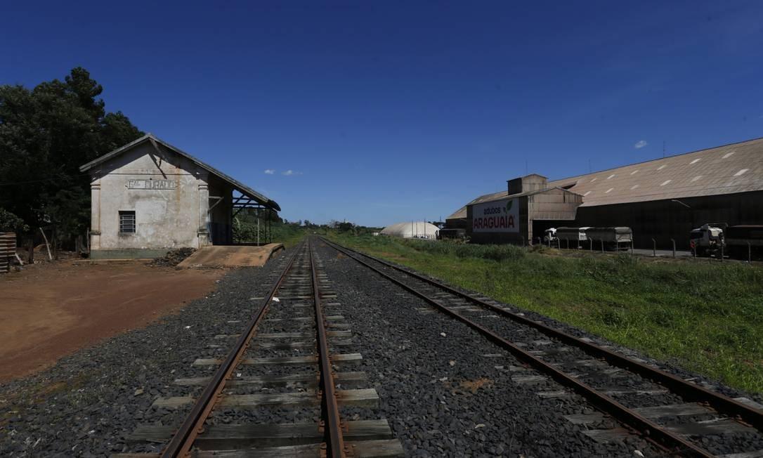 Trecho da ferrovia Norte-Sul em Anápolis. Foto: Michel Filho / Agência O Globo