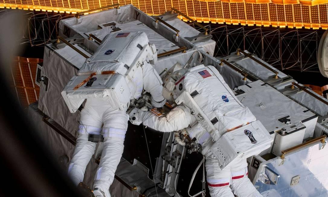 Astronautas durante missão na Estação Espacial Internacional Foto: NASA / REUTERS