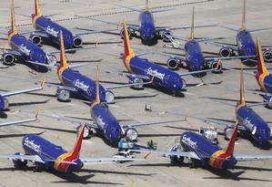 Boeings 737 Max da Southwest Airlines pousados na Califórnia, EUA. Foto: MARIO TAMA / AFP