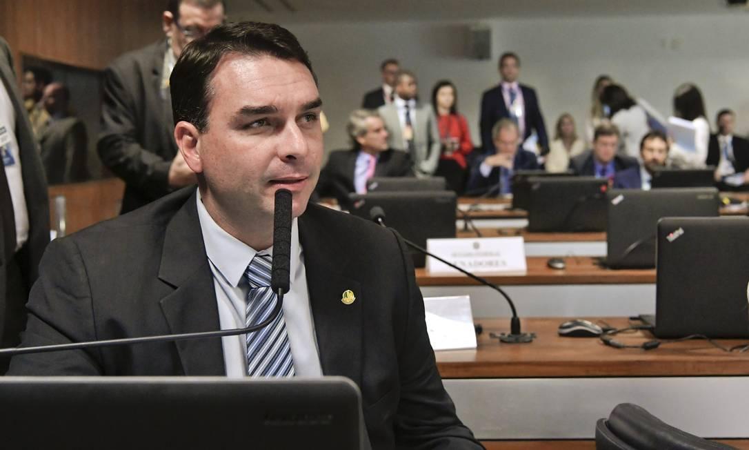 O senador Flávio Bolsonaro durante audiência pública no Senado Foto: Geraldo Magela/Agência Senado/27-03-2019