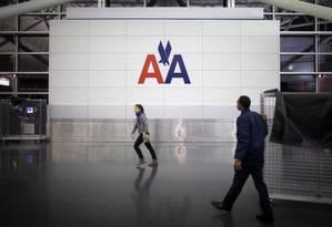 Logotipo da American Airlines no aeroporto John F. Kennedy, em Nova York: empresa suspendeu voos para a Venezuela Foto: Carlo Allegri / REUTERS