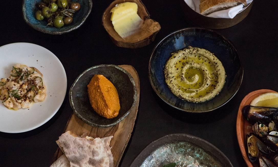 O recém-inaugurado restaurante Andrea, em Helsinque, serve versões requintadas de pratos turcos com ingredientes finlandeses Foto: Petra Veikkola / The New York Times
