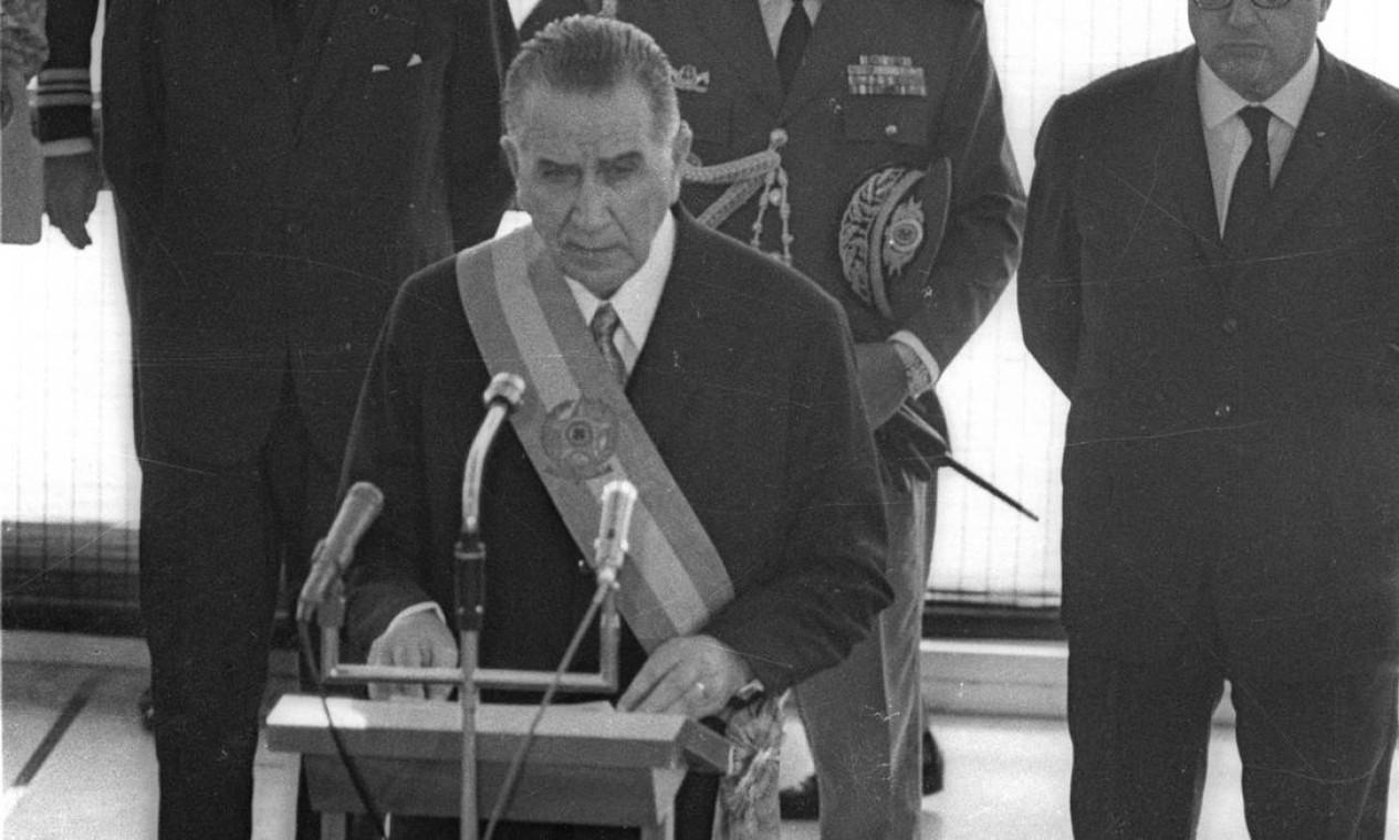 Emílio Garrastazu Médici – É escolhido para suceder Costa e Silva, assumindo o cargo em 30 de outubro de 69. Deixou o poder em 15 de março de 1974 Foto: Agência O Globo
