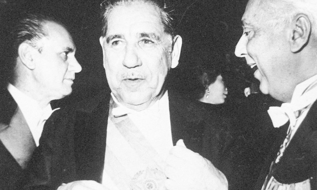 Costa e Silva – Toma posse em 15 de março de 1967. Em 28 de agosto de 69, sofre uma trombose cerebral, sendo substituído temporariamente por uma junta de três ministros militares. Morreu em 17 de dezembro do mesmo ano Foto: Agência O Globo