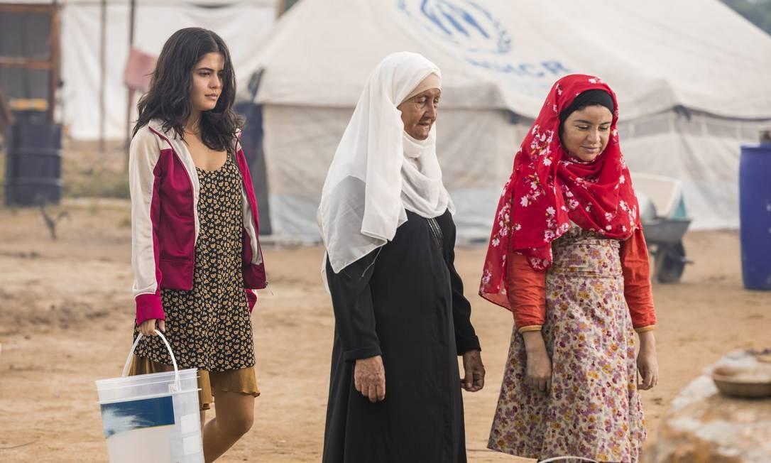 A gravação no cenário em Santa Cruz teve a participação de figurantes sírios e libaneses Foto: TV Globo/Paulo Belote