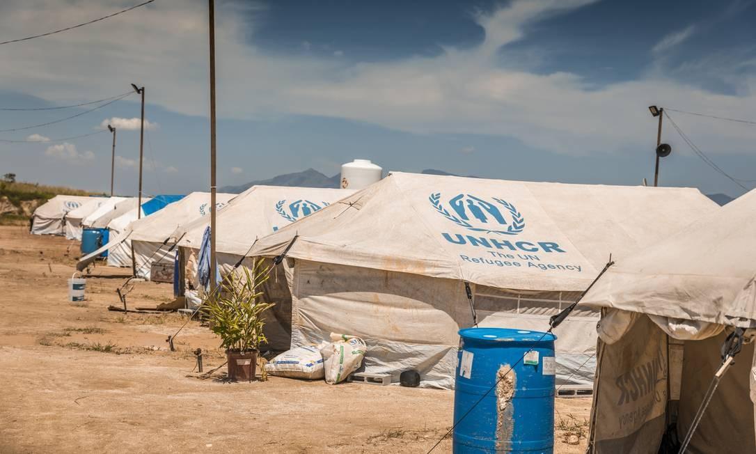 Graças a uma parceira com o Acnur, agência para refugiados das Nações Unidas, a Globo utilizou tendas que são realmente utilizadas em abrigamentos da vida real Foto: TV Globo/Paulo Belote