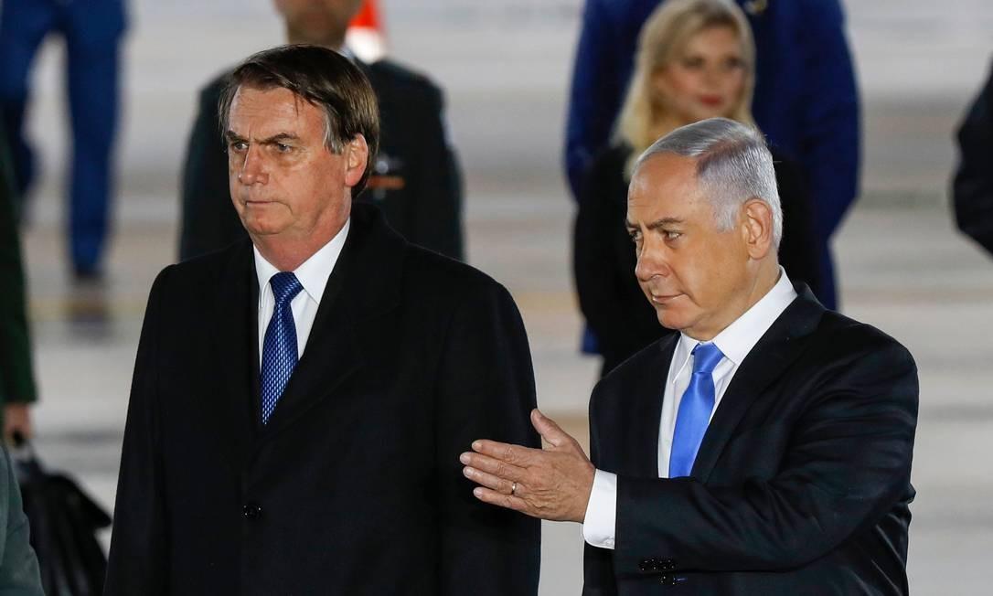 Primeiro-ministro israelense,Benjamin Netanyahu recebe o presidente Jair Bolsonaro no aeroporto internacional de Tel Aviv. Foto: JACK GUEZ / AFP