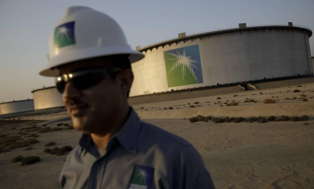 Local onde a Aramco armazena milhões de barris de petróleo Foto: Bloomberg