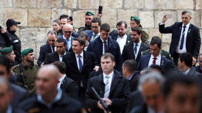Resultado de imagem para Presidente Jair Bolsonaro chega à Igreja do Santo Sepulcro, na Cidade Velha de Jerusalém