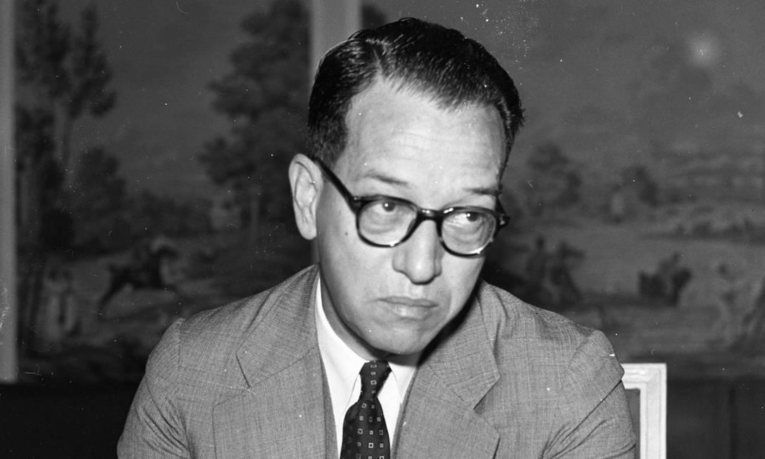 O diplomata José Jobim em 1957, no Rio de Janeiro Foto: Acervo / Agência O Globo