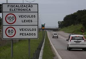 Radares fixos na BR 101 Foto: Custódio Coimbra