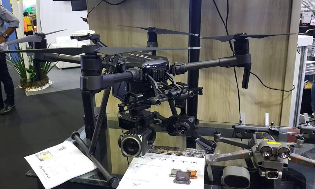 Drone do modelo Matrice 210, que é usado pelas polícias de Minas Gerais e de Sergipe e pela prefeitura de João Pessoa Foto: Luiz Ernesto Magalhães / Agência O Globo