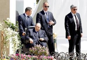 Bouteflika é fotografado em Argel, em 9 de abril de 2018. Suas aparições eram raras devido a problemas de saúde Foto: RAMZI BOUDINA / REUTERS