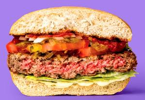 O Impossible Burger, da Impossible Foods, que a Burger King vai testar nos EUA. Foto: Divulgação/Impossibile Burger