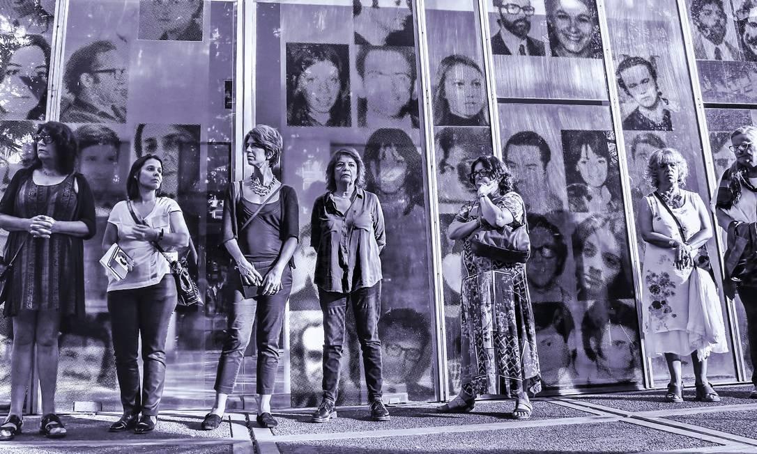 """Mulheres que sofreram abusos durante a ditadura argentina participam da exposição """"Ser Mulheres na Esma"""", em Buenos Aires Foto: Divulgação"""