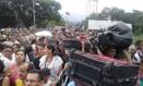 Venezuelanos cruzam a ponte Simon Bolívar, na fronteira com a Colômbia Foto: SOCIAL MEDIA / REUTERS