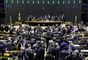 Plenário da Câmara: articulação para retirar servidores da reforma. Foto: Luis Macedo / Agência O Globo