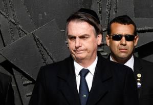 Presidente brasileiro, Jair Bolsonaro visita Centro de Memória do Holocausto, em Jerusalém Foto: GALI TIBBON / AFP