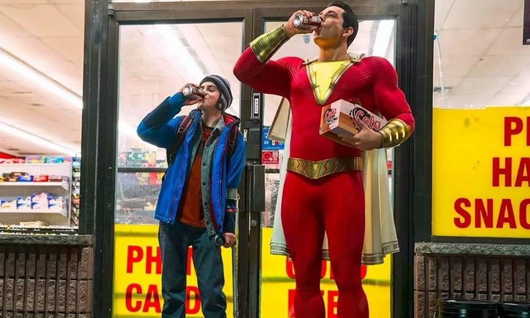 'Shazam!': filme traz Zachary Levi no papel-título, um adolescente que ganha poderes de uma entidade por combater o bullying contra um amigo Foto: Divulgação
