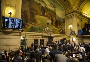 Sessão desta terça-feira na Câmara de Vereadores que decidiu pela abertura do processo de impeachment do prefeito Marcelo Crivella Foto: Guito Moreto / Agência O Globo
