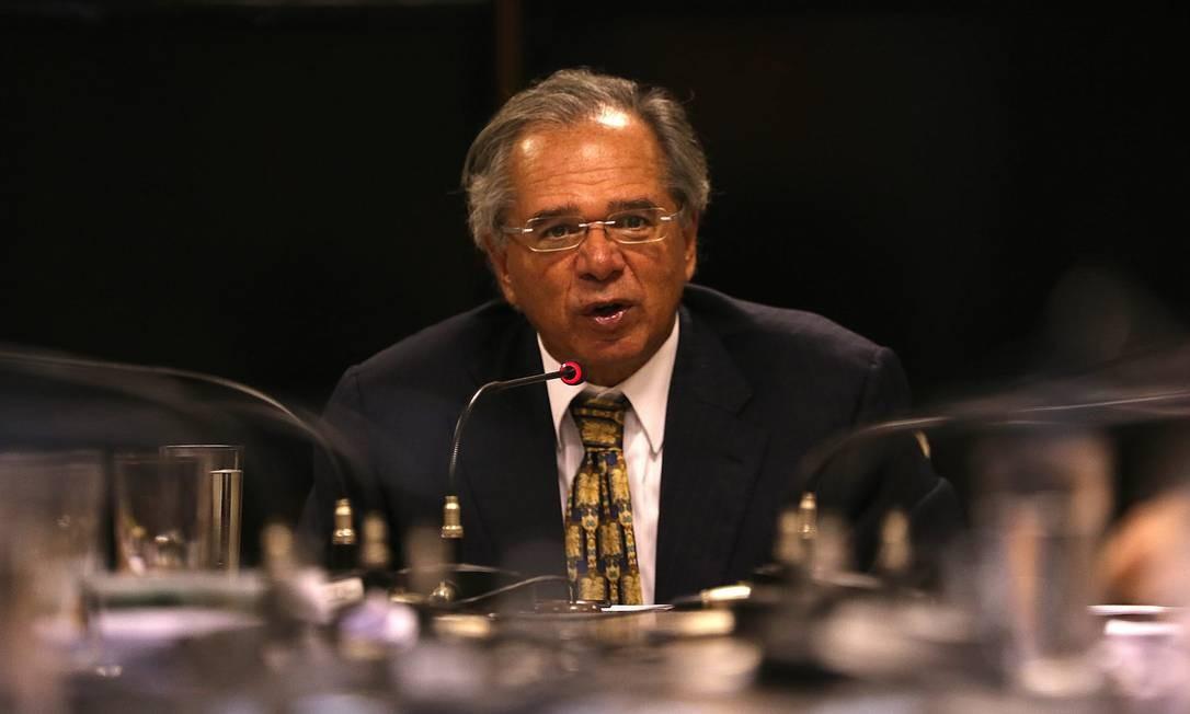 O ministro da Economia, Paulo Guedes, durante reunião com líderes e bancada do PSL para discutir a Reforma da Previdência Foto: Jorge William / Agência O Globo