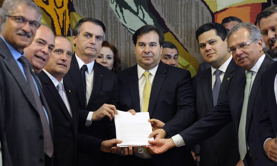 Presidente Jair Bolsonaro durante a entrega da reforma da previdência na Câmara dos Deputados Foto: Luis Macedo (Câmara dos Deputados) / Agência O Globo