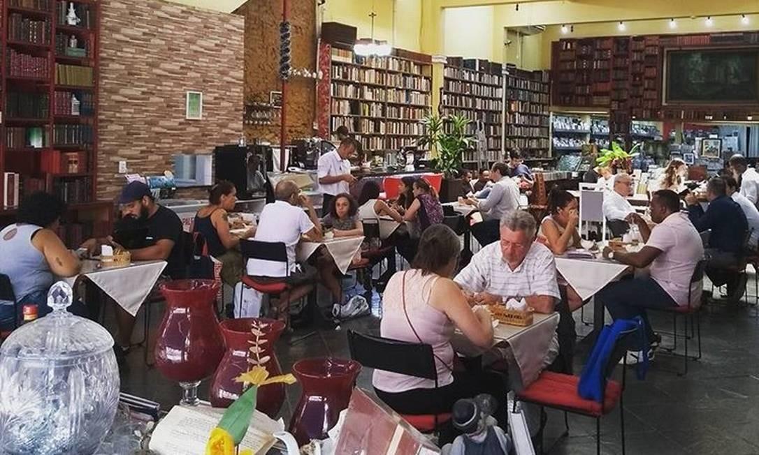 Café & Histórias: restaurante em meio a 20 mil livros Foto: Divulgação