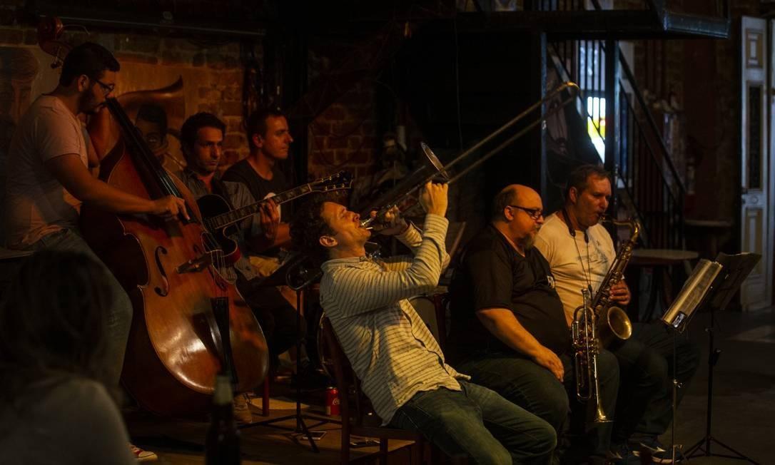 Cazota: casa de churrasco de dia e pista de dança à noite com shows ao vivo de jazz Foto: Alexandre Cassiano