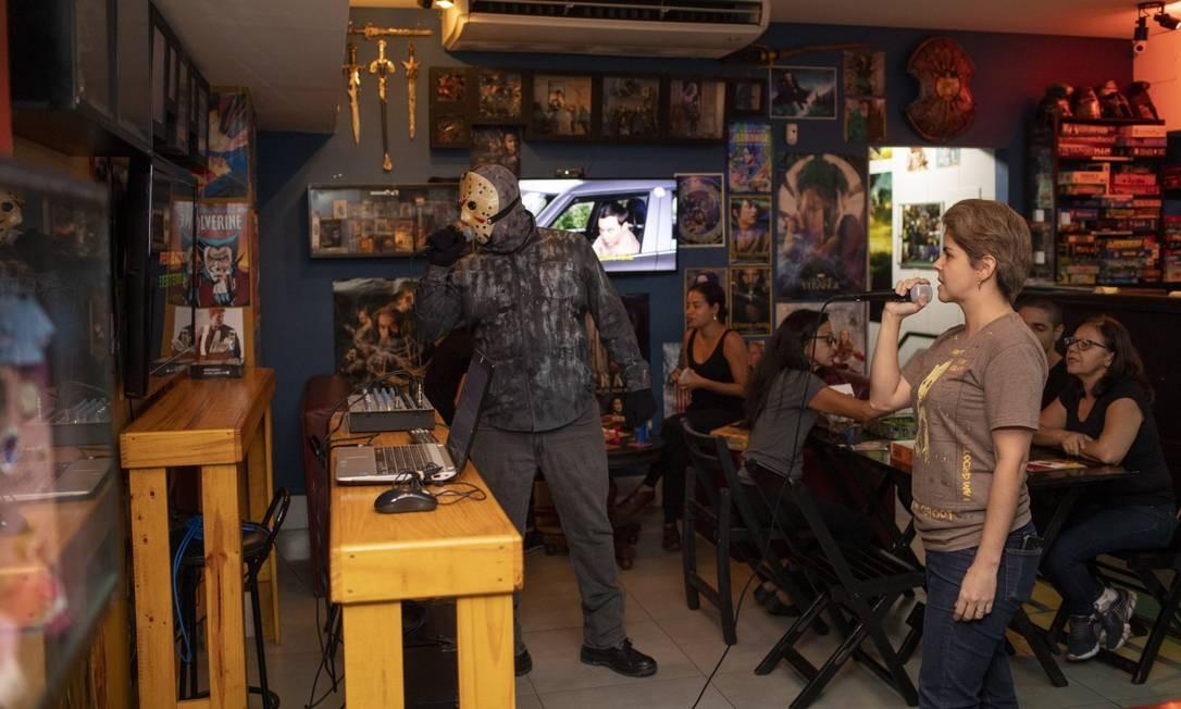 Barzinga: bar geek com karaoquê, filmes e drinques temáticos Foto: GABRIEL MONTEIRO / Gabriel Monteiro