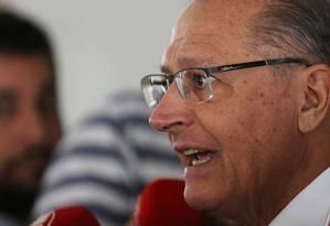 O presidente nacional do PSDB, Geraldo Alckmin, durante entrevista após encontro com Jair Bolsonaro Foto: Jorge William / Agência O Globo