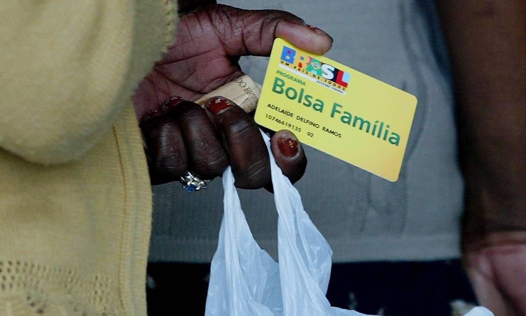Décimo terceiro do Bolsa Família deve ser pago no mês de dezembro Foto: Michel Filho / Agência O Globo