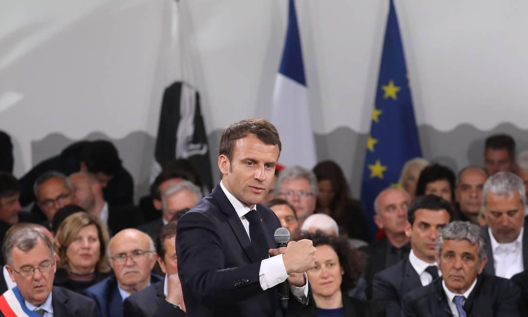 O presidente francês, Emmanuel Macron, discursa na ilha de Córsega Foto: LUDOVIC MARIN 04-04-2019 / AFP