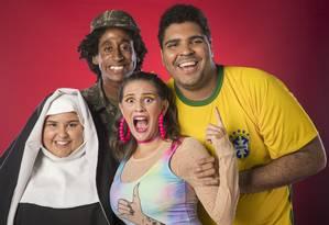 Castorine, Evaldo Macarrão, Luisa Perisse e Paulo Vieira, os novos integrantes do Zorra Foto: João Cotta / TV Globo