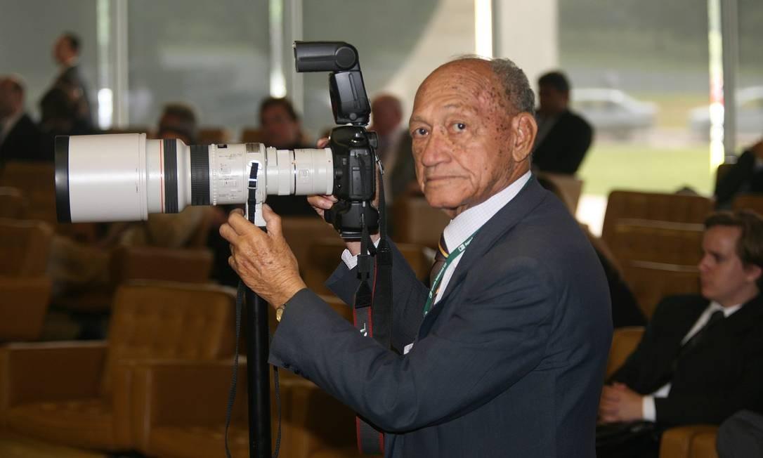 Nascido em 1923, em Salvador (BA), Gervásio foi escolhido por Tancredo Neves para ser o fotógrafo oficial da Presidência da República. Com a morte do presidente, assume José Sarney, de quem Gervásio e suas câmeras estiveram ao lado de abril de 1985 a 1990, fazendo parte do quadro de funcionário da EBC (Empresa Brasil de Comunicação) por cerca de 30 anos Foto: Arquivo pessoal