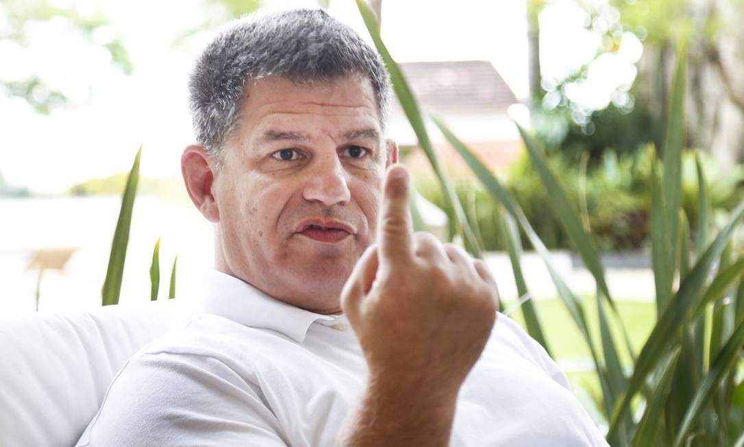 No dia 18 de fevereiro, Bolsonaro demitiu o seu braço direito na campanha e ex-presidente do PSL, Gustavo Bebianno, da Secretaria Geral da Presidência, no meio de uma crise provocada por denúncias de uso de candidatos laranjas pelo PSL para desvio de verbas do Fundo Partidário nas eleições de 2018 Foto: Marcos Ramos / Agência O Globo