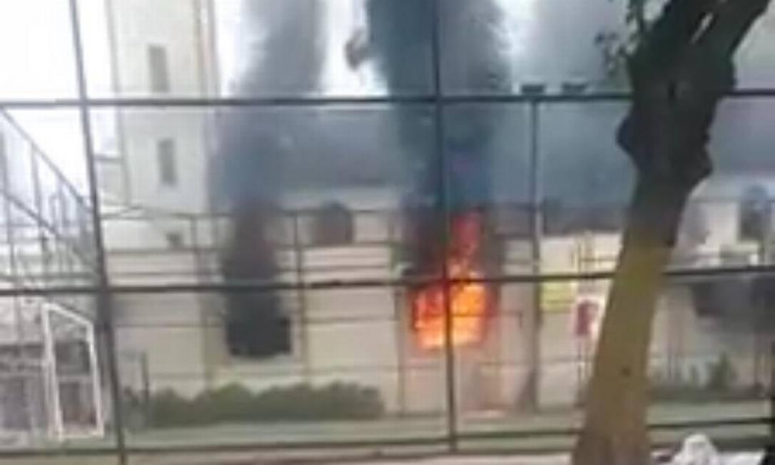 Incêndio atinge Paróquia de Santo Antônio, na Pavuna Foto: Reprodução