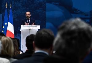 Primeiro-ministro francês, Eduard Philippe discursa sobre