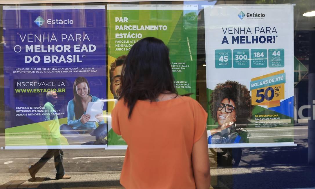 Atrasos nos repasses do Fundo de Financiamento Estudantil têm prejudicado alunos de universidades particulares Foto: Roberto Moreyra / Agência O Globo
